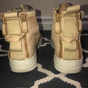 Nike Shoes - Nike Air Force 1 Mid Utility
